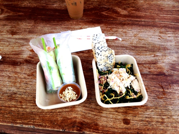 Veggie spring roll and kale salad