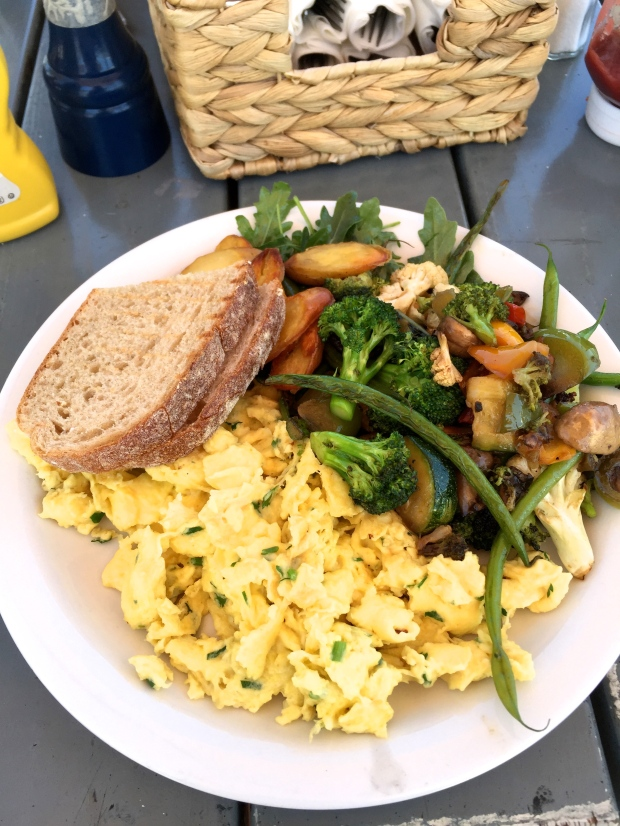 Seasoned eggs and veggies